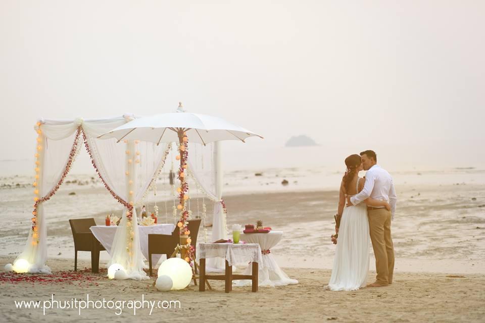 hochzeit auf koh chang heiraten sie im paradies von thailand. Black Bedroom Furniture Sets. Home Design Ideas
