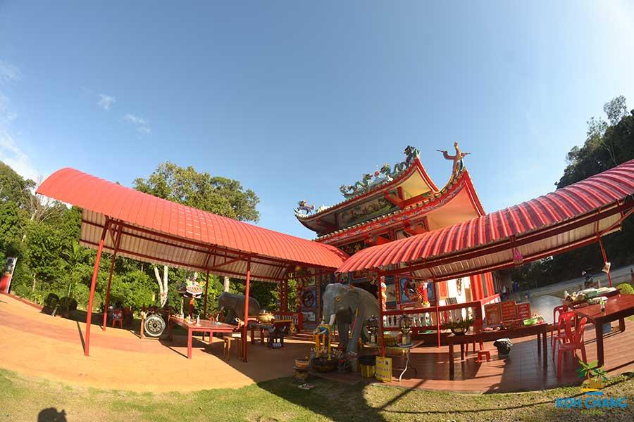 Der-Chinesische-Tempel-koh-chang-insel-thailand-touren
