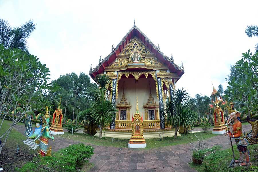 Tempel-von-Salak-Phet-ostküste-koh-chang-tempel-insel-thailand-wat