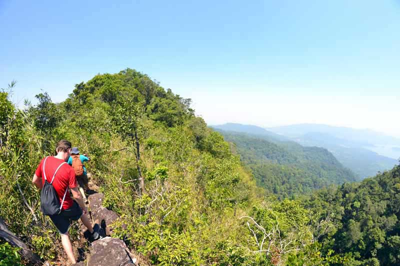 aussicht-berg-koh-chang-trekking-mt-salakphet-thailand