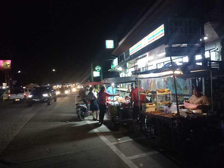 markt-koh-chang-essen-streetfood-thai-garküche